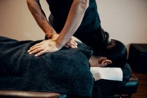 What to Expect from a Chiropractic Adjustment
